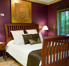 Master Queen Bedroom - Palm Cove Holiday House