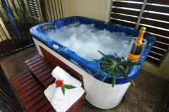 Meridian Port Douglas Holiday Apartments - Some with Private Jacuzzi's or Swimout Deck to Swimming Pool