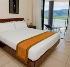 Modern Bedrooms - Piermonde Holiday Apartments Cairns