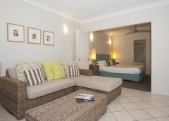 Modern One Bedroom Holiday Apartments at Heritage Private Apartments