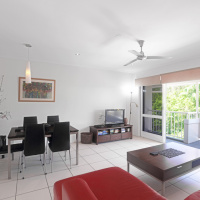 Modern, open plan Palm Cove Holiday Apartment - Palm Cove Accommodation