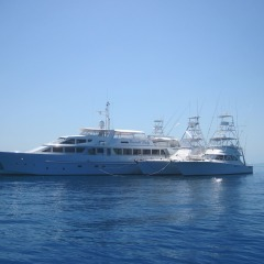 Superyachts Great Barrier Reef - Mothershipping Cairns & Port Douglas