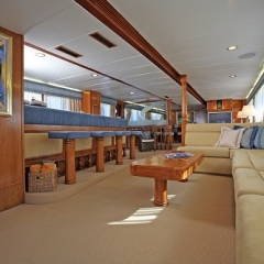 Great Barrier Reef Private Charter Superyacht | Bar & lounge Area