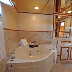 Cairns Private Charter Motor Boat | Master King Cabin Ensuite