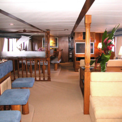 Luxury Private Charter Motor Yacht Cairns | Living Area
