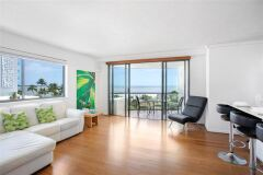 Newly Refurbished One Bedroom Ocean Apartment | Cairns Holiday Apartments overlooking Cairns Esplanade