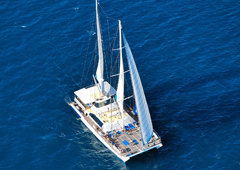Luxury Great Barrier Reef Cruises - Ocean Spirit Michaelmas Cay