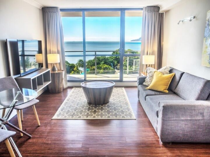 Ocean View Suite Lounge Area | Cairns Plaza Hotel