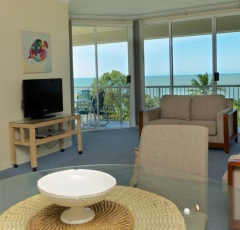 On the Beach- 2 Bedroom Holiday Apartment