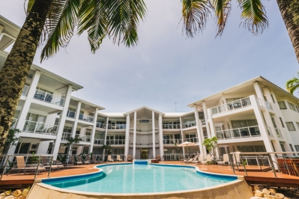 Port Douglas Beachfront Holiday Apartments - Beachfront Accommodation