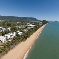 Cairns Beach Accommodation | On the Beach Holiday Apartments - Trinity Beach