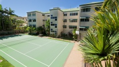 Tennis Court Facilities - On the Beach Trinity Beach Holiday Apartments