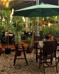 On The Turps Restaurant Alfresco Dining | Heritage Lodges And Spa Daintree