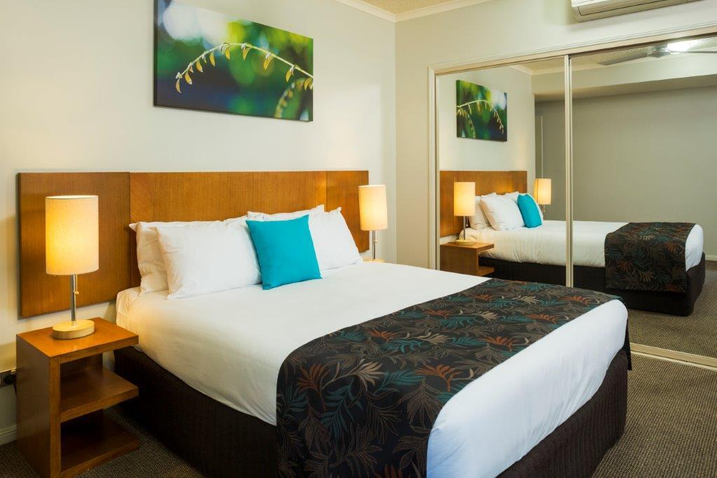 One Bedroom Apartment   Lakes Resort Cairns. Cairns Resort   Cairns Holiday Apartments   FREE Night Deals   More