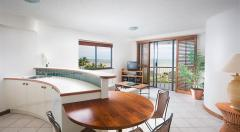 One Bedroom Holiday Apartments on Cairns Esplanade at Breakfree Royal Harbour Cairns