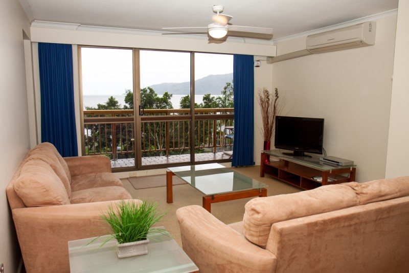cairns accommodation esplanade holiday apartments great