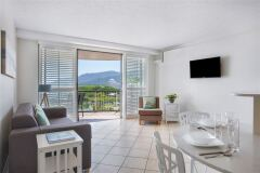 One Bedroom Garden View Holiday Apartment, located on Cairns Esplanade  | Breakfree Royal Harbour Cairns