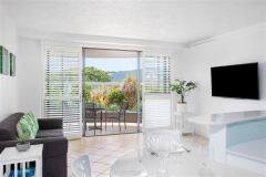 One Bedroom Ocean Spa Holiday Apartment, located on Cairns Esplanade  | Breakfree Royal Harbour Cairns