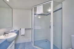 One Bedroom Self Contained Apartment Bathroom