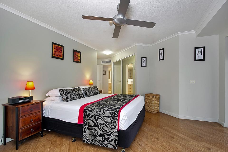 holiday apartments cairns esplanade self catering