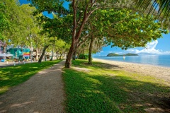 Only a minutes walk to Palm Cove Beach