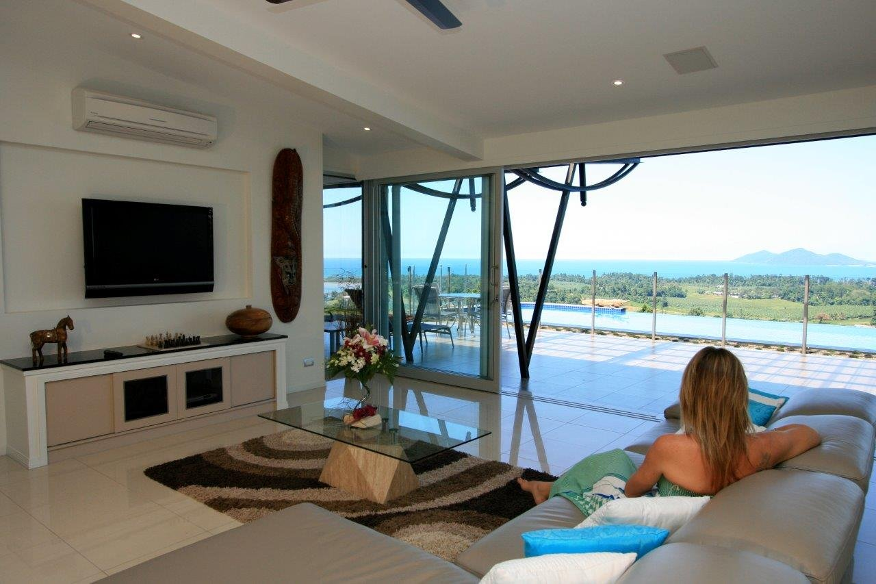 Mission beach accommodation most luxurious holiday house for Luxury accommodation
