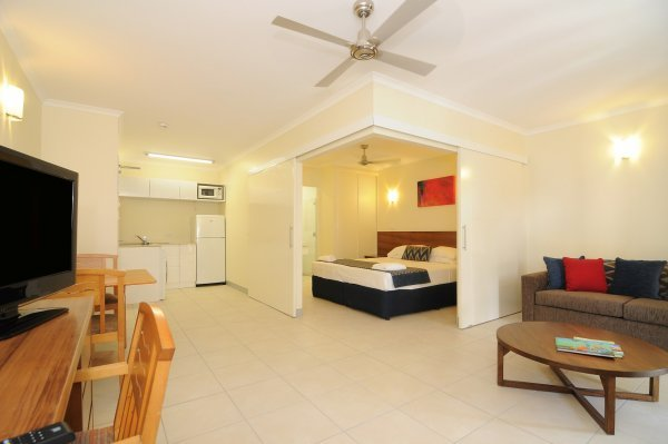 Cairns Accommodation   Deluxe Hotel Room  Jasmine    Great Family Accommodation  Cairns Accommodation   Deluxe 1 Bedroom Apartment  Orchid    Cairns Holiday. Cairns Holiday Apartments  Cairns Hotel Motel Accommodation   Best