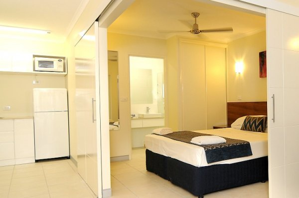 Cairns Accommodation   Deluxe 1 Bedroom Apartment  Orchid    Cairns  Holiday Apartments. Cairns Holiday Apartments  Cairns Hotel Motel Accommodation   Best