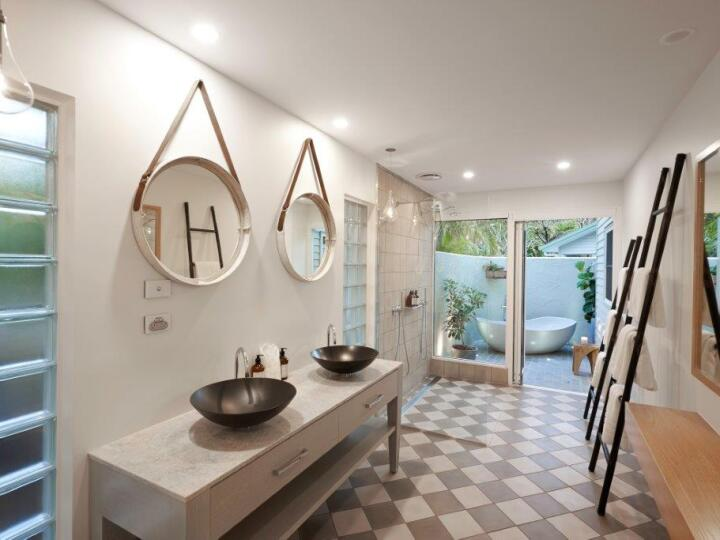 South Suite Bathroom with Outdoor Bath | Orpheus Island Resort