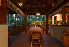 Outdoor Tropical Dining - Far Pavillions Luxury Port Douglas Holiday Villa
