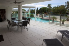 Oversized Balcony - 3 Bedroom Swimout Apartment overlooking Cairns Esplanade
