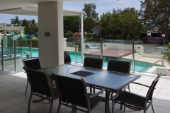 Oversized Baloncy - 3 Bedroom Swimout Apartment overlooking Cairns Esplanade