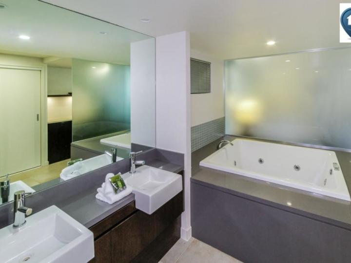 Oversized Spa Bath - Hotel Spa Rooms at Private Apartments within Sea Temple Port Douglas