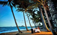 Palm Cove 5 Night Romance Package - Beachfront Dinner, Daily Breakfast, Day Spa Treatment plus Private Arrival Transfer