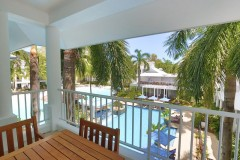 Palm Cove Accommodation: Private Resort Apartments
