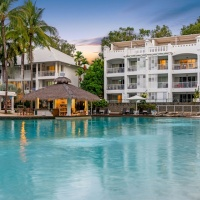 Palm Cove Beach Club Apartments