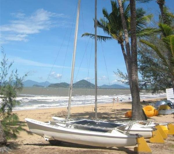 Mission Palms Apartments: Book Direct Palm Cove Holiday