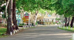 Palm Cove Esplanade just 800m from Private Holiday Villa