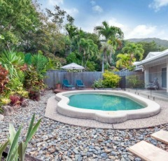 Palm Cove Holiday Apartments & Villas with Private Pools