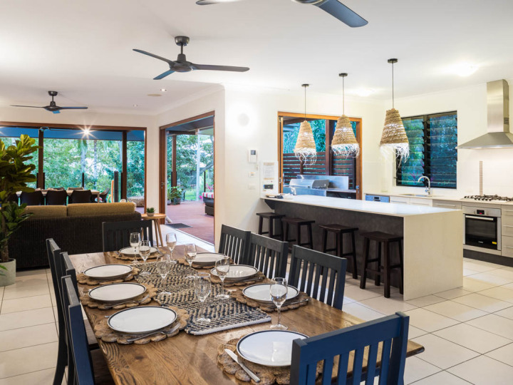 Dining and Kitchen area | Palm Cove Holiday Home