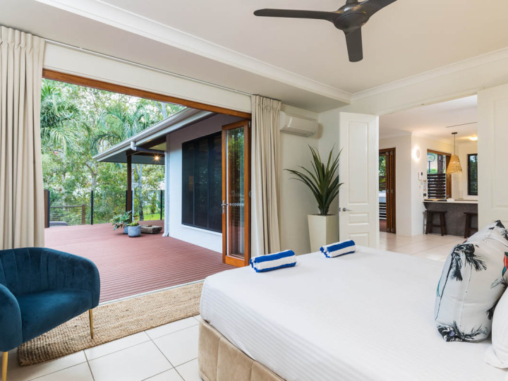 Master Bedroom with King Bed | Palm Cove Holiday Home