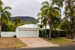 Palm Cove Holiday Home  walking distance to Palm Cove Beach