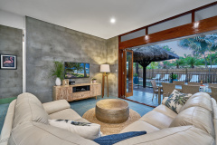 Palm Cove Holiday House - Cairns Beach