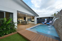 Palm Cove Holiday House | Heated pool in winter