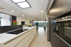 Palm Cove Holiday House | Kitchen