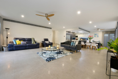 Palm Cove Holiday House | Spacious lounge room