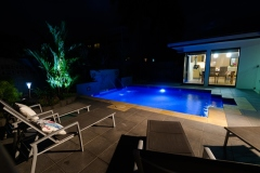 Palm Cove Holiday Home with Tropical Swimming Pool & Outdoor Entertaining Area