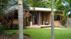 Palm Cove Holiday Villa
