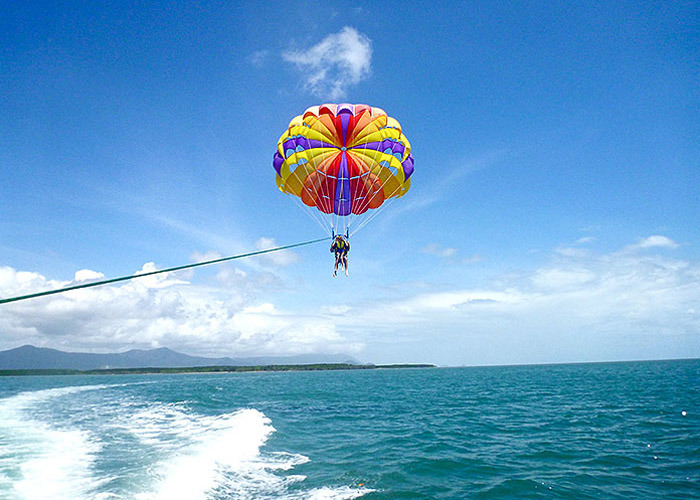 Cairns Attractions Cairns Parasailing