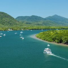 Parasailing tours in Cairns